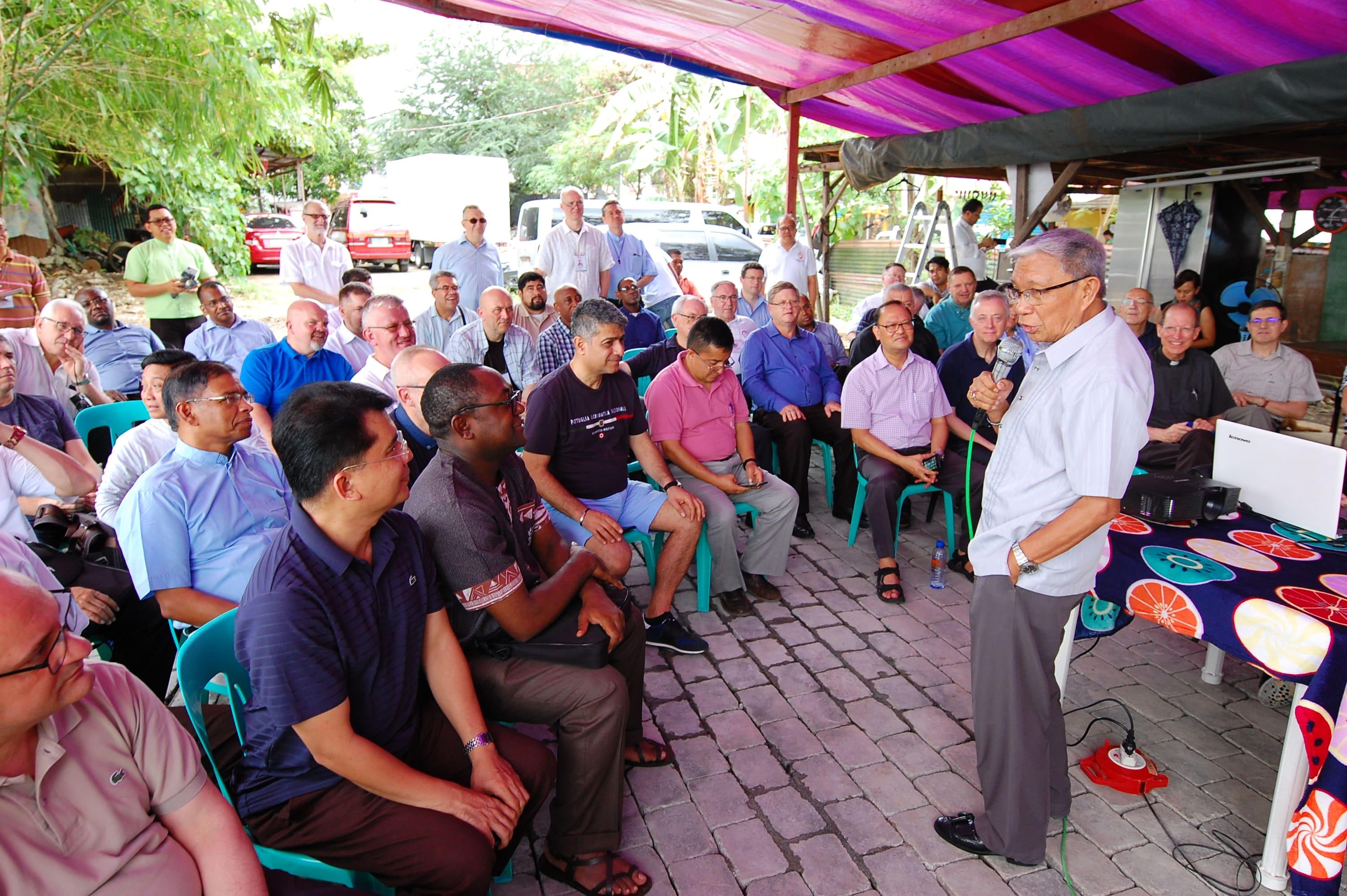 M. Antonio Tobias, DD, Vescobo di Novaliches  Visita  alla Fondazione Vincenziana dei Missionari per